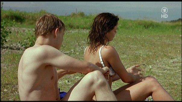 Nude moms spreading legs