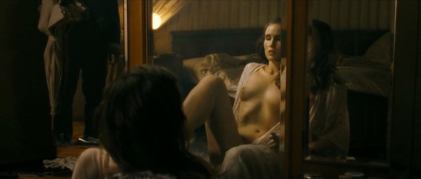 Alice Parkinson  nackt